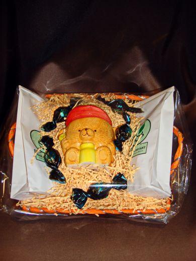 Корзинка Мишка с чаем или кофе и керам.банкой для хранения кофе, чая или меда- подарочный набор №18
